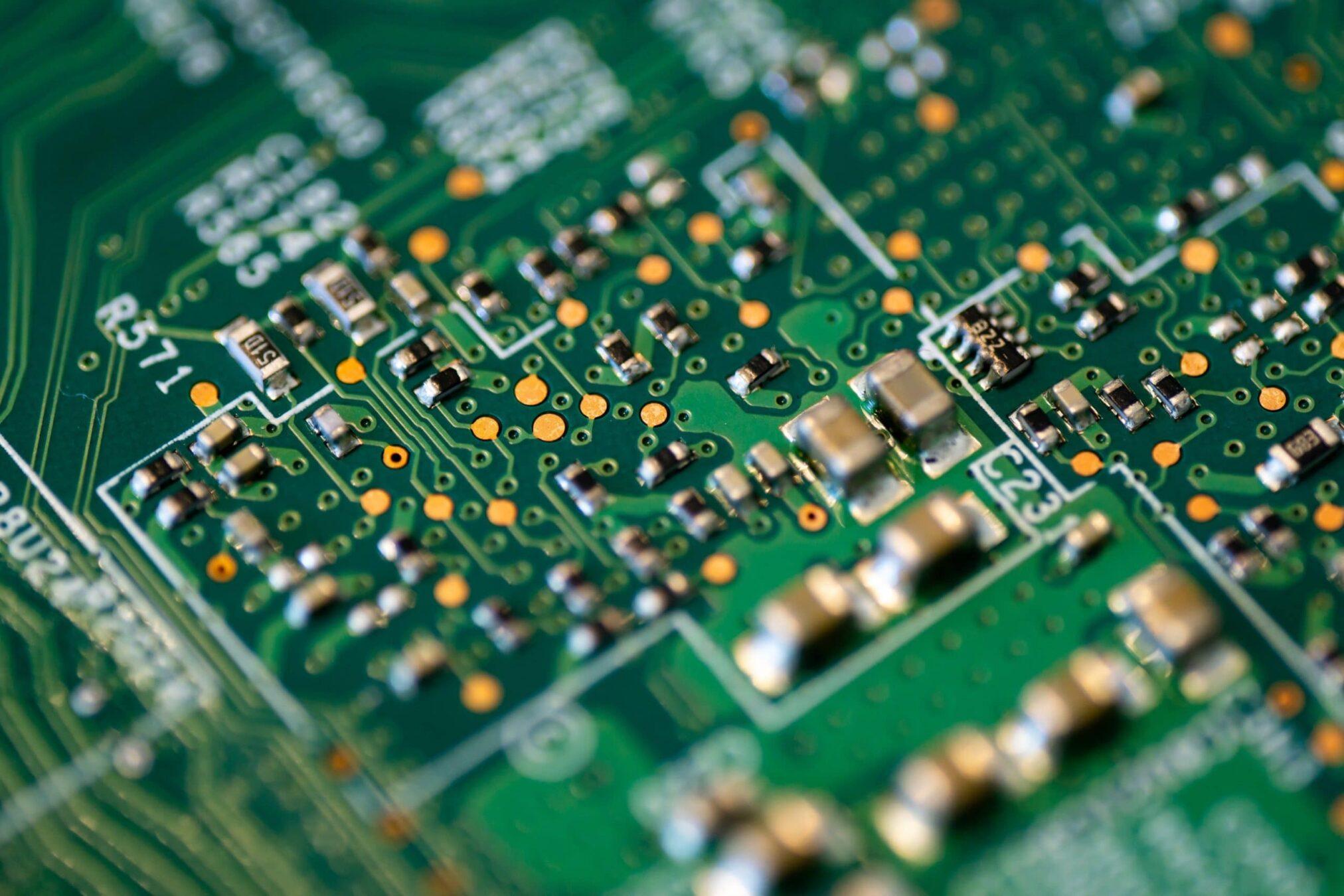 Hardware Maintenance scaled